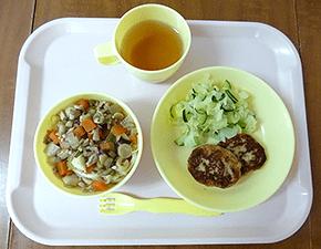 手作り給食の写真